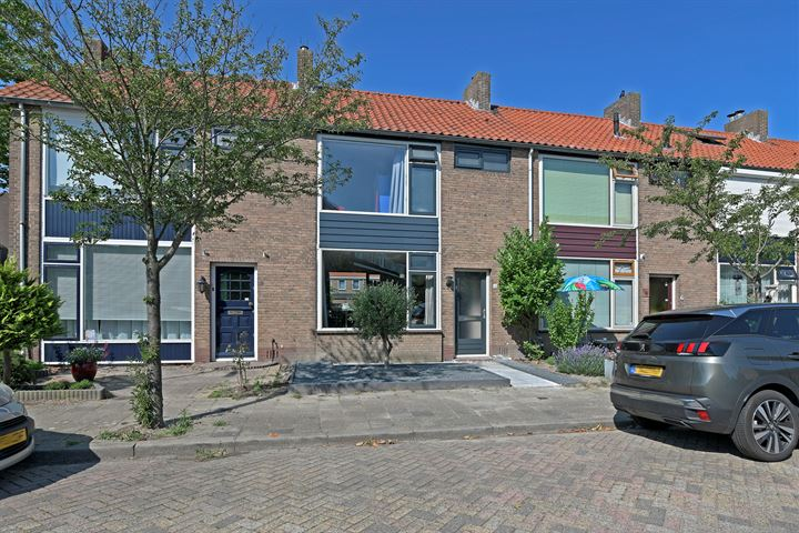 A.J. van Reststraat 4