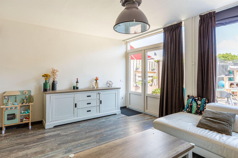 Bekijk foto 3 van Van Hogendorpstraat 26 a