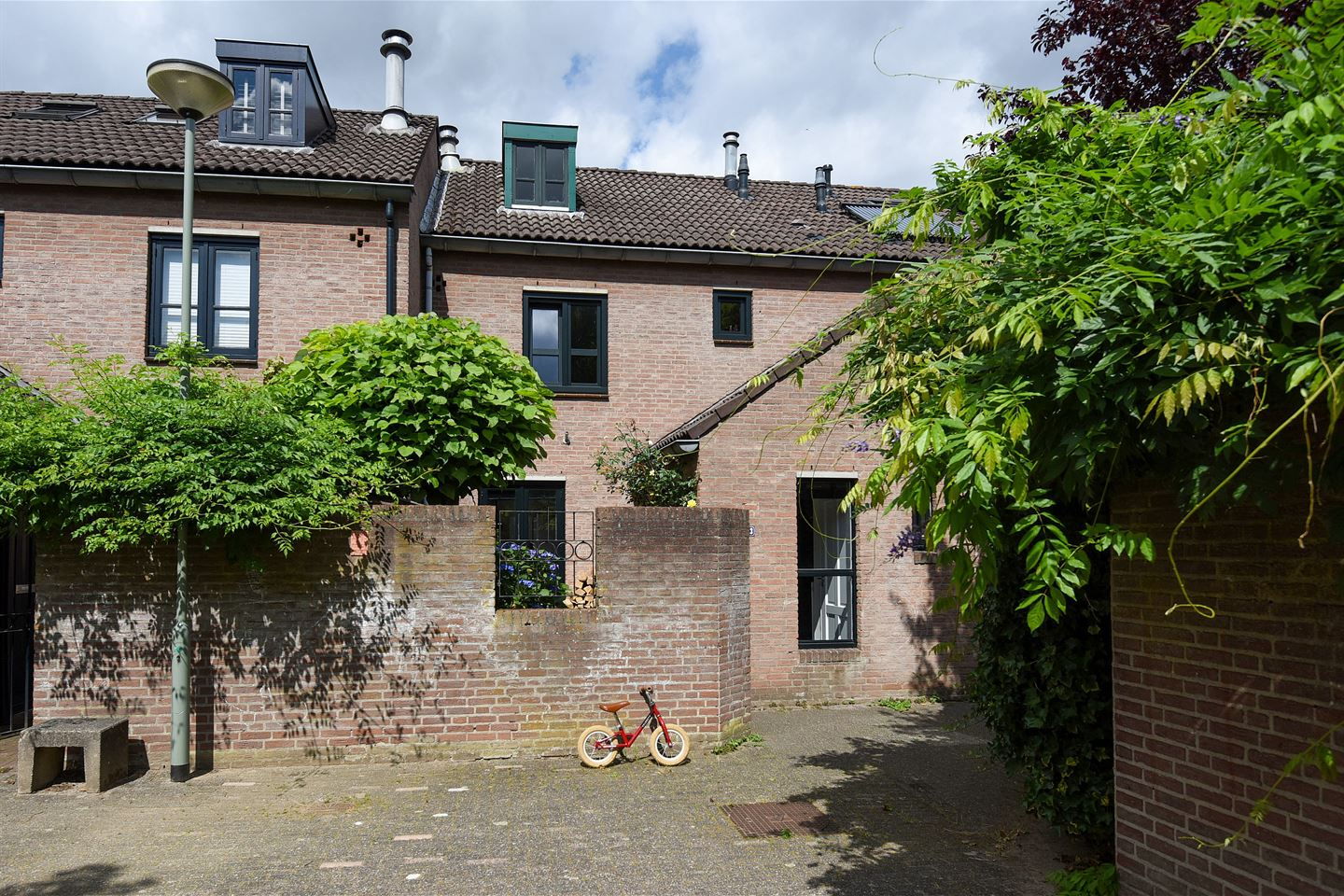 View photo 2 of Oude Bovensteweg 43