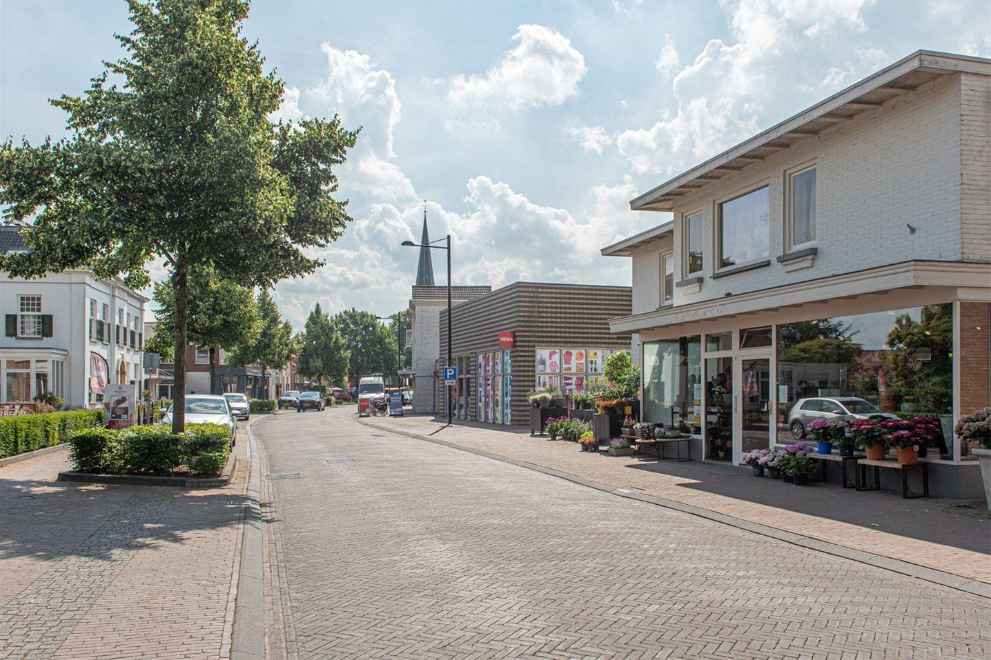 Bekijk foto 3 van Zutphenseweg 9