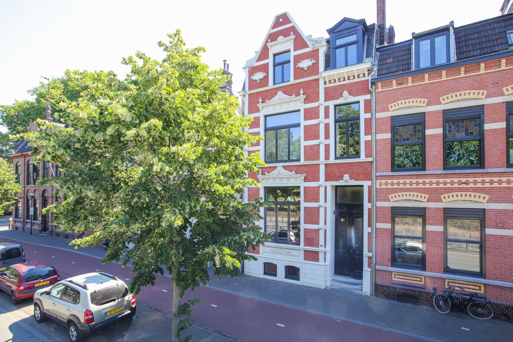 Bekijk foto 1 van Burgemeester van Rijnsingel 17