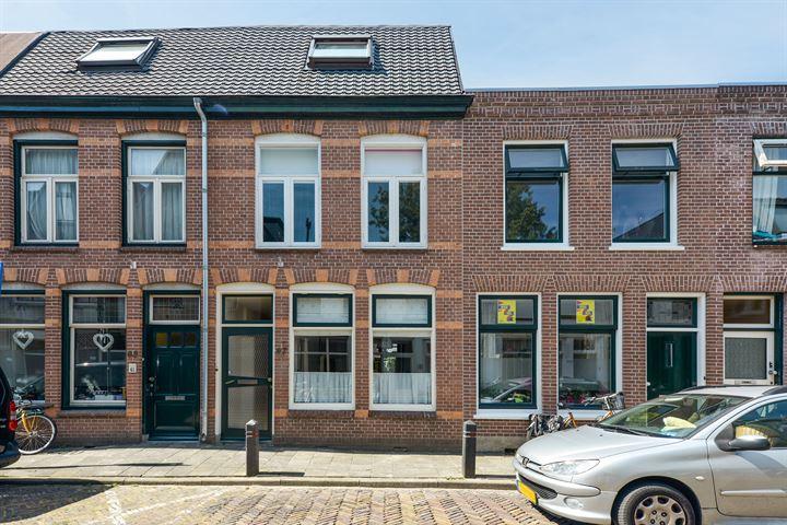 Van der Woudestraat 67