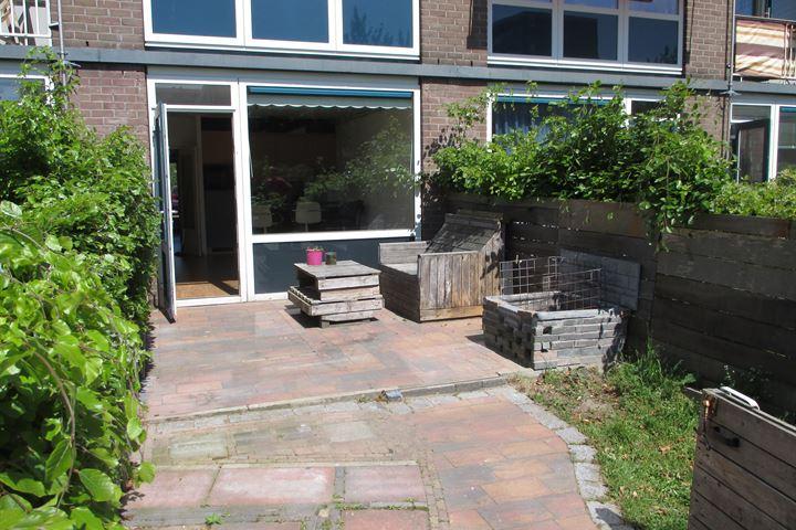 Amalia van Solmsstraat 135