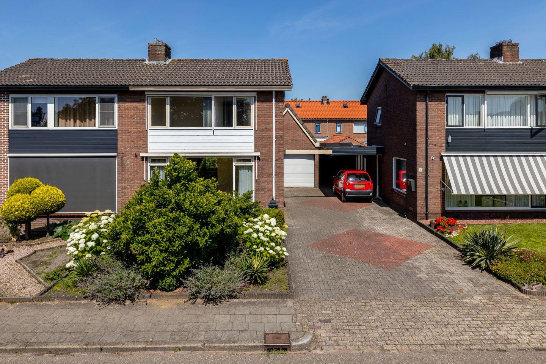 View photo 1 of Spireastraat 13