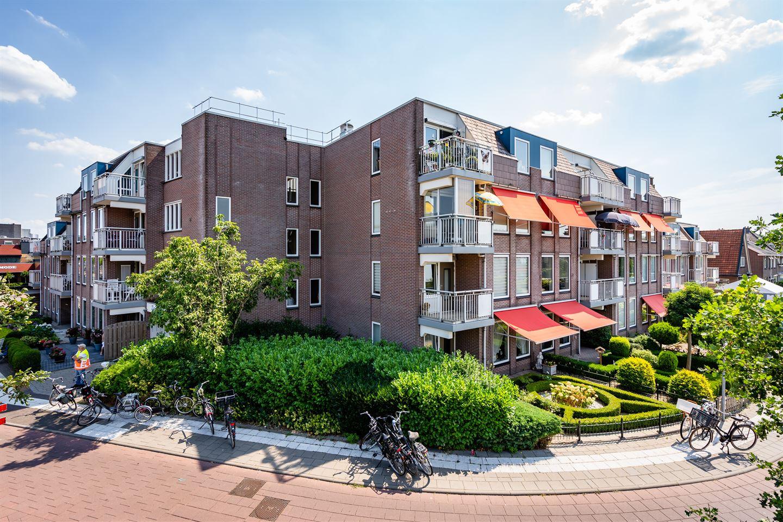 Bekijk foto 2 van Schutstraat 111