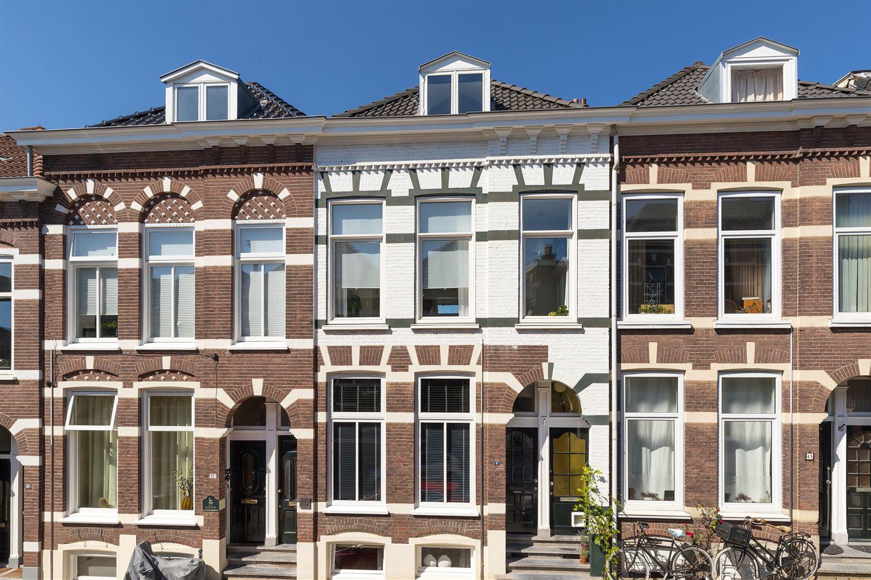 Bekijk foto 1 van Verhuellstraat 43