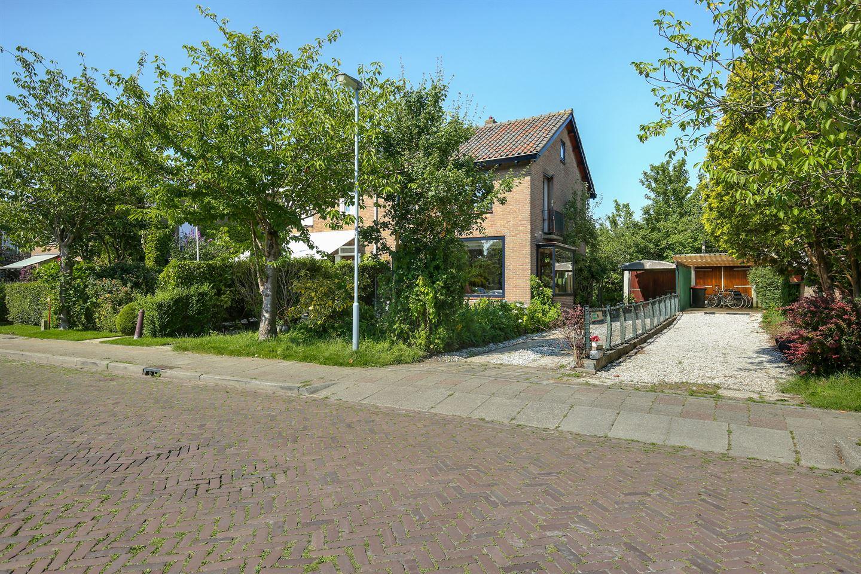Bekijk foto 1 van Cornelis Roelestraat 12