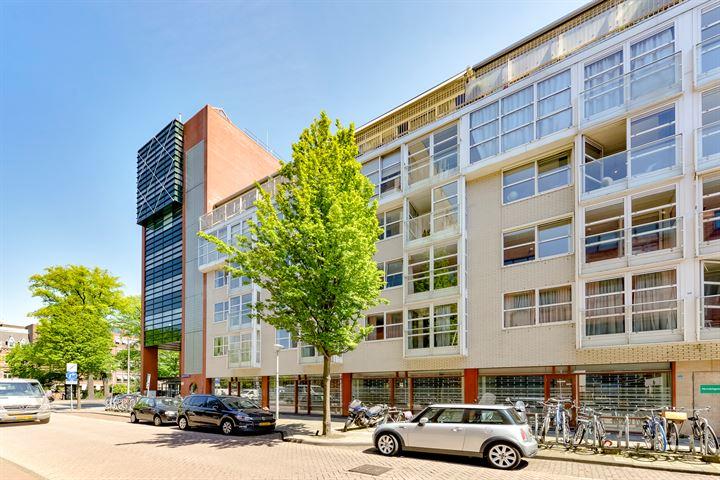 Eerste Van der Helststraat 1 A 18