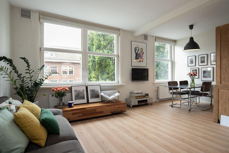 Bekijk foto 1 van Bloys van Treslongstraat 14 II