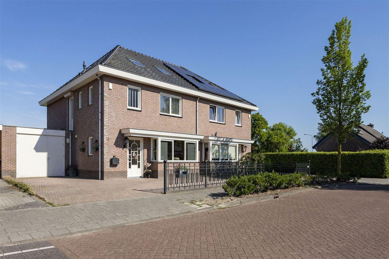 Bekijk foto 1 van Meester Folkertsstraat 17