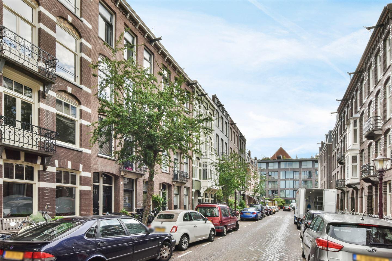 Bekijk foto 1 van Valeriusstraat 14 II