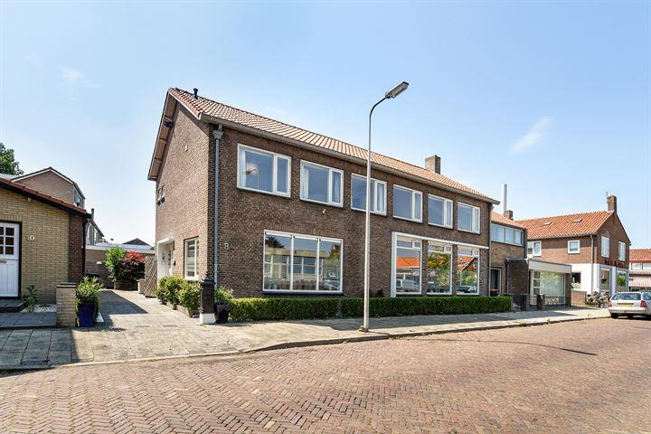Jhr. K.W.L. de Muraltstraat 8