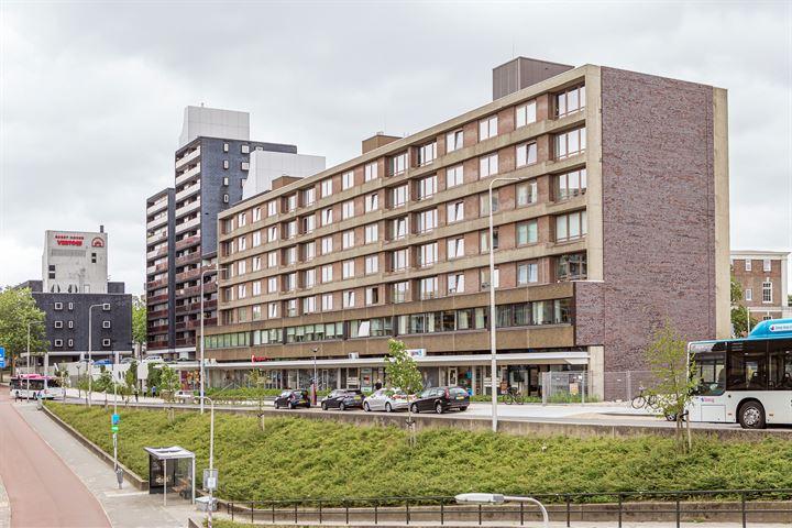 Burg. Hustinxstraat 32
