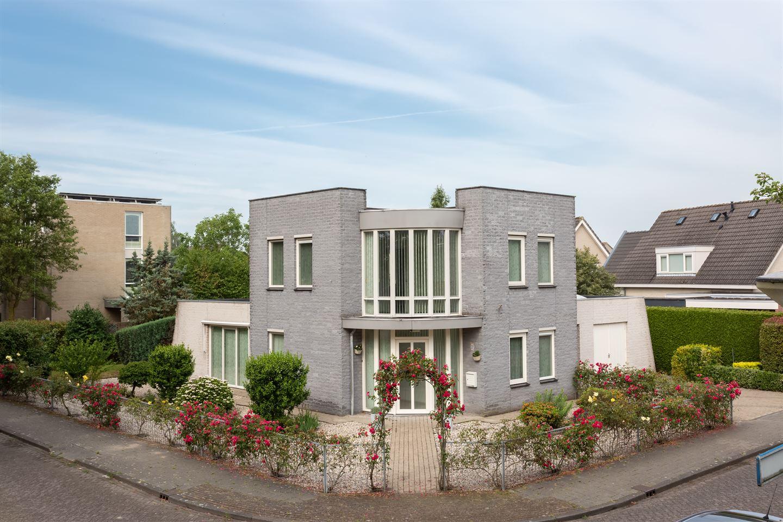 Bekijk foto 1 van Martinus Nijhoffstraat 2