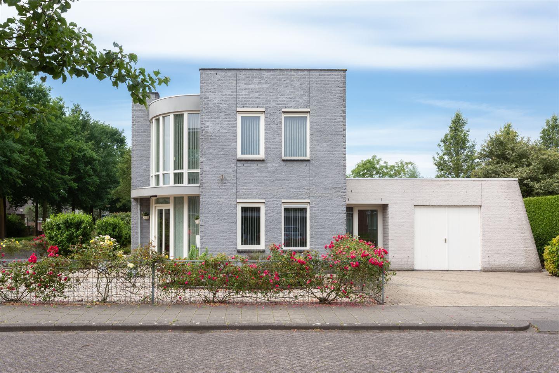 Bekijk foto 2 van Martinus Nijhoffstraat 2