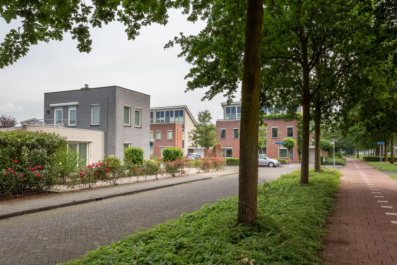 Bekijk foto 5 van Martinus Nijhoffstraat 2