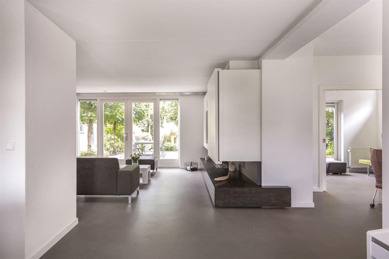 Bekijk foto 3 van Rietveldstraat 24