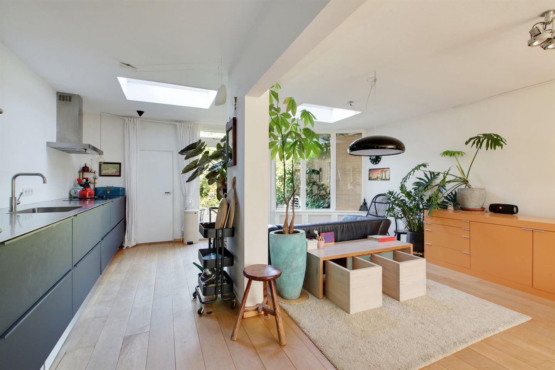 Bekijk foto 1 van Cornelis Roosstraat 6