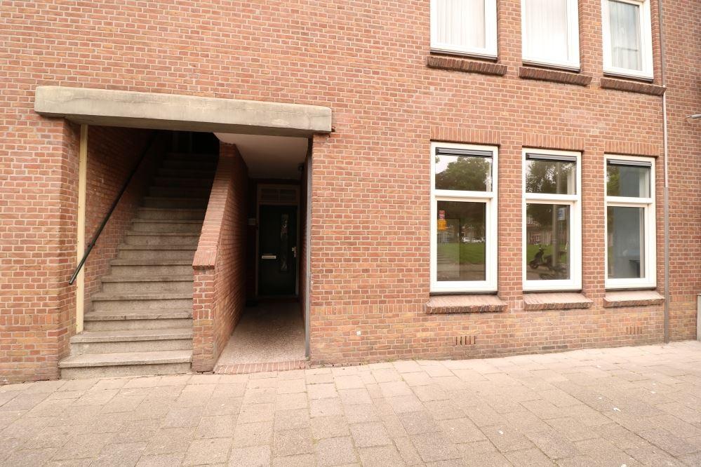 Bekijk foto 1 van Deimanstraat 270