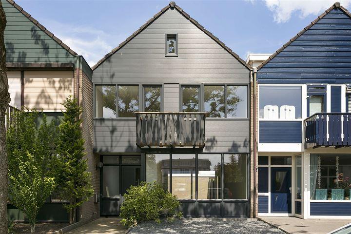 Joan Coststraat 16