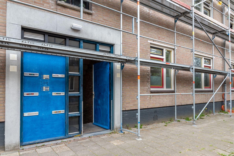 Bekijk foto 2 van Van der Kempstraat 11
