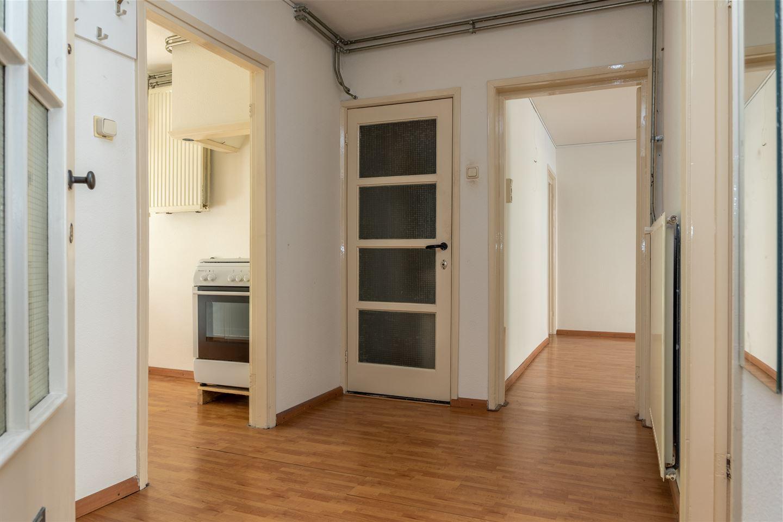Bekijk foto 3 van Van der Kempstraat 11