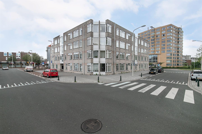 Bekijk foto 1 van Loosduinse Hoofdstraat 582
