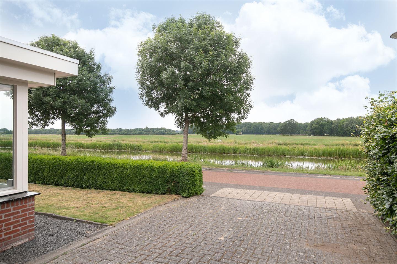 Bekijk foto 2 van Johan van Oldenbarneveltsingel 9