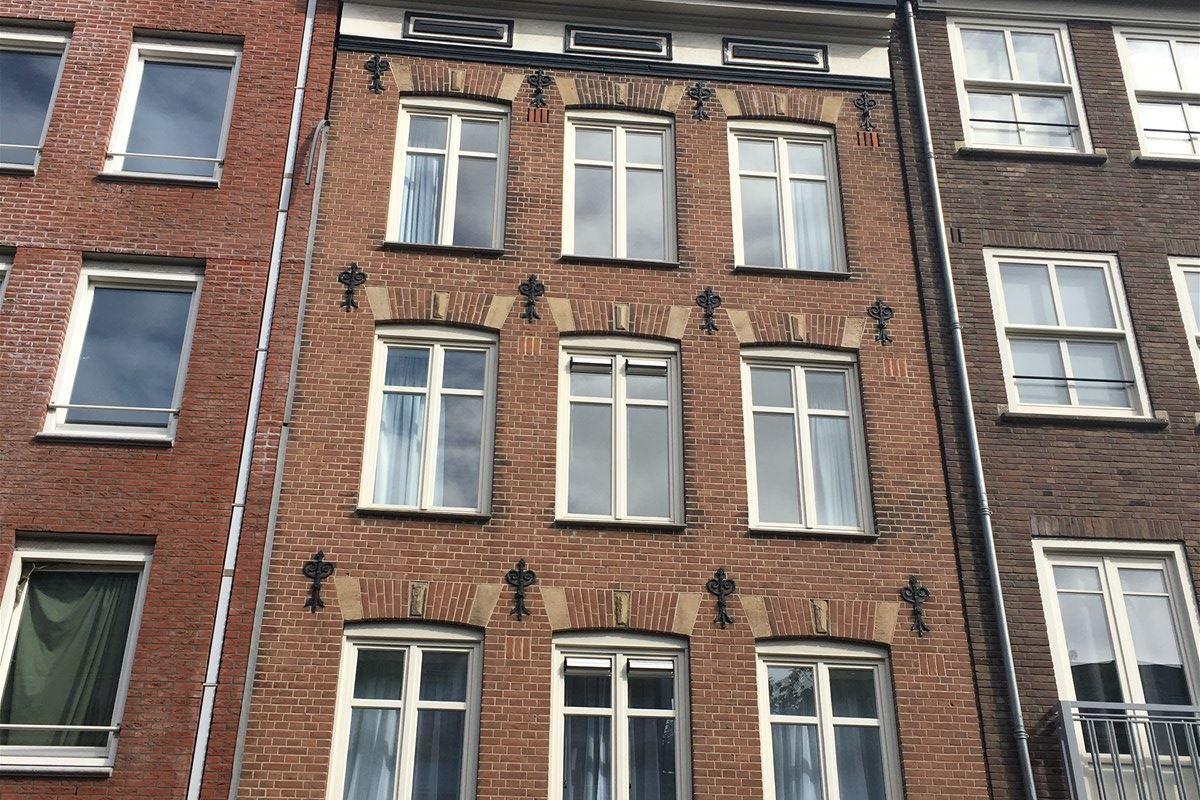 Bekijk foto 1 van Valkenburgerstraat 184 -III
