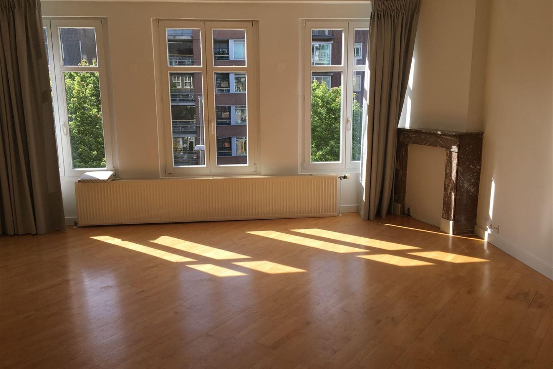 Bekijk foto 2 van Valkenburgerstraat 184 -III