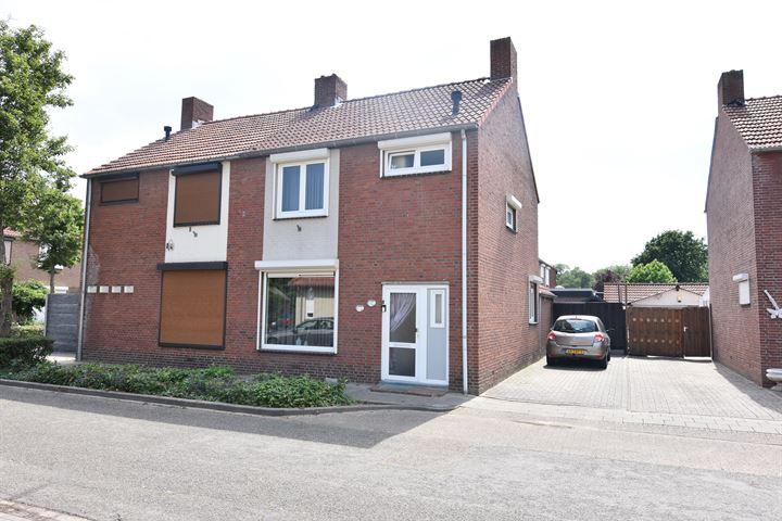 Dr. Poelsstraat 13