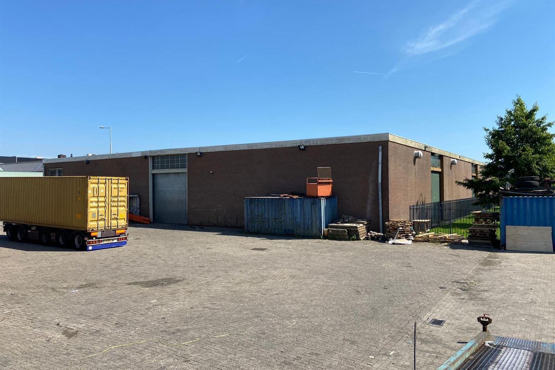 Bekijk foto 5 van Van Veenendaalweg 5