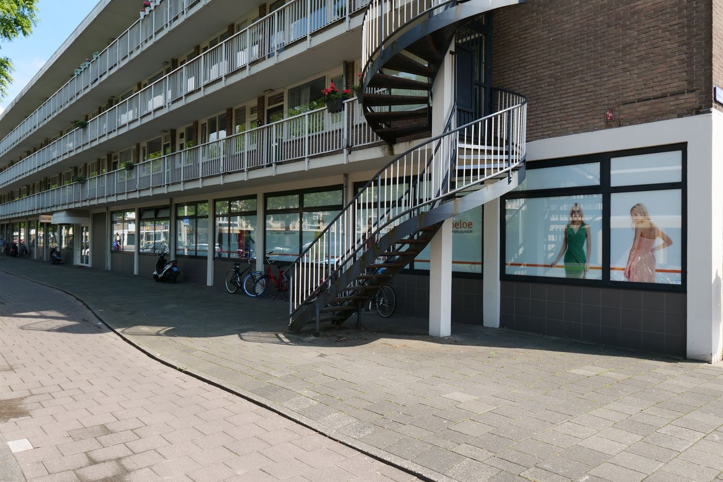 View photo 3 of Arent Janszoon Ernststraat 799