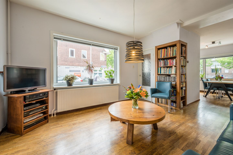 Bekijk foto 2 van Van Meursstraat 69