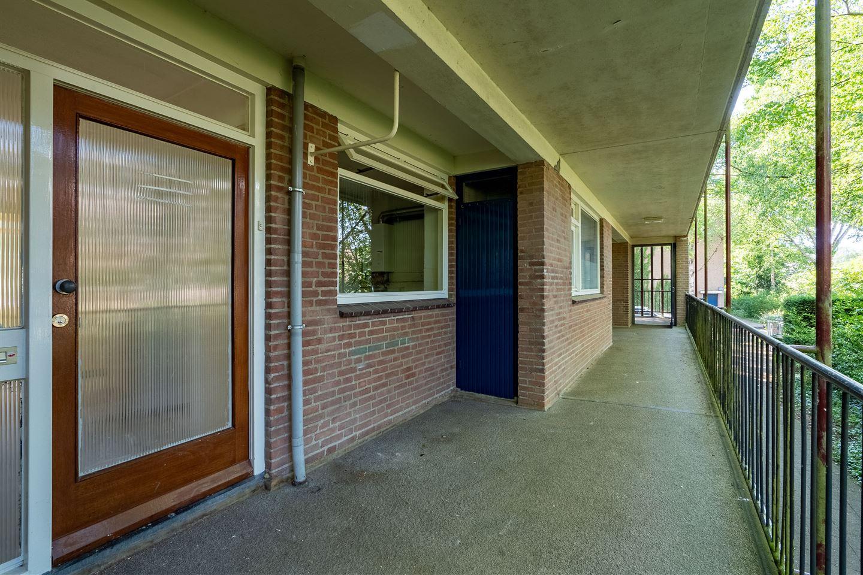 Bekijk foto 5 van Van der Waalsstraat 10
