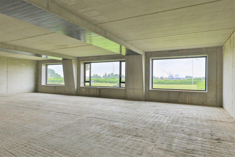 View photo 3 of Regattaweg 460