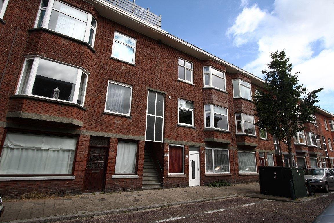 View photo 1 of Jan ten Brinkstraat 37