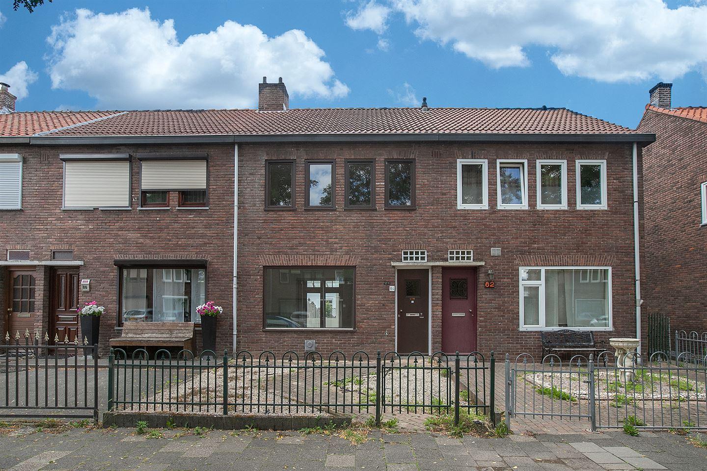 View photo 1 of Burgemeester van Oppenstraat 84