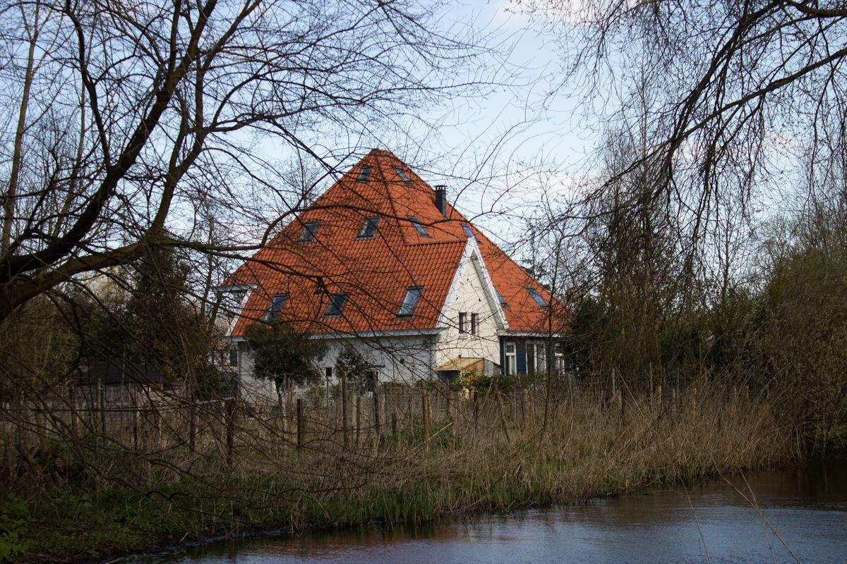Bekijk foto 2 van Haarlemmerweg 705