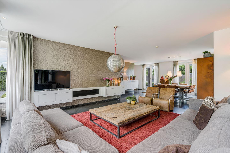 View photo 2 of Bredeweg 120