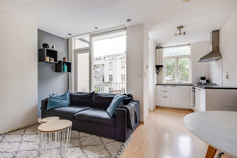 Bekijk foto 4 van Van Boetzelaerstraat 68 II