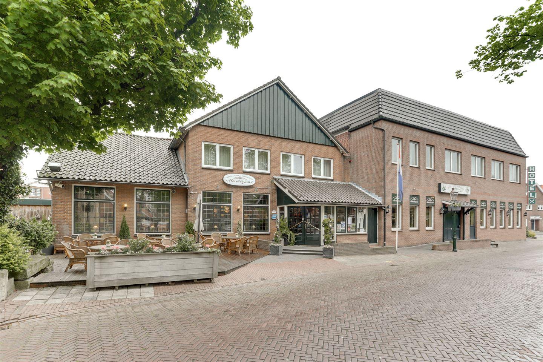 Bekijk foto 1 van Martinusplein 25