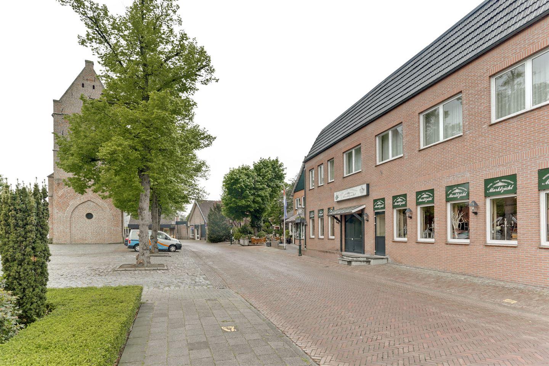 Bekijk foto 2 van Martinusplein 25