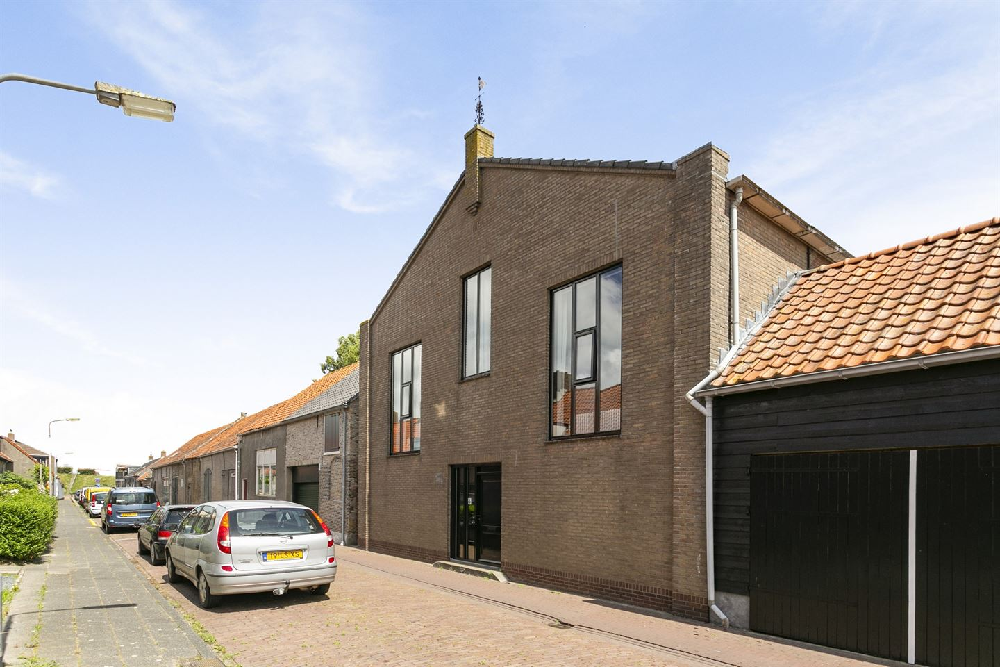 View photo 1 of Beatrixstraat 6