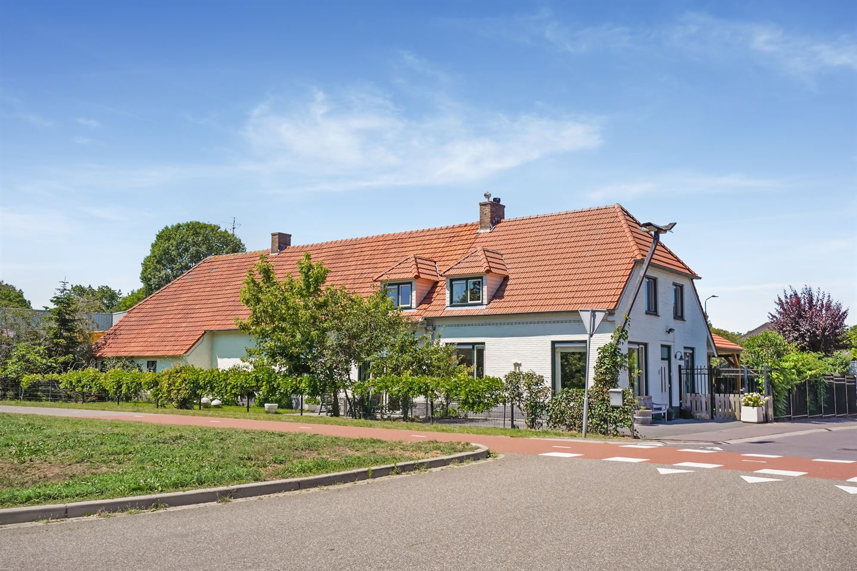 Bekijk foto 1 van Rijksweg 33