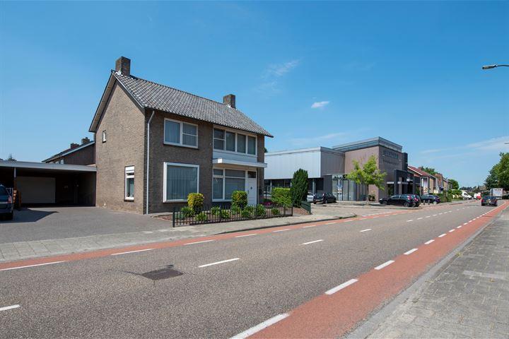 Burg. Van Houtstraat 69