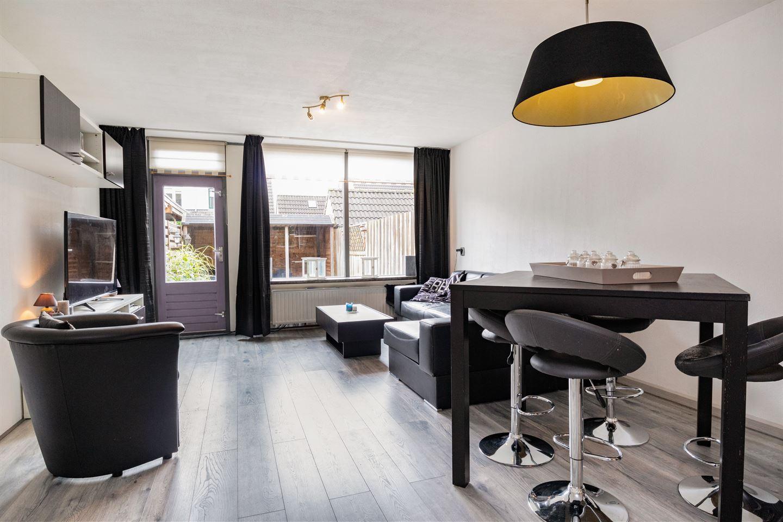 Bekijk foto 2 van Pieter de Hooghstraat 40