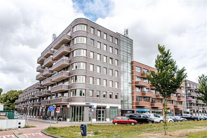 Truus Oversteegenstraat 129
