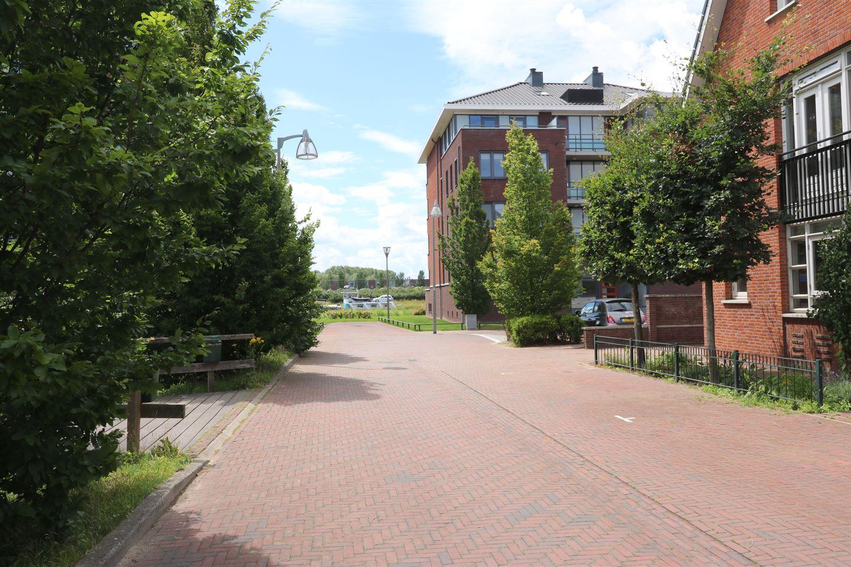 Bekijk foto 2 van Willem van Leusdenlaan 56