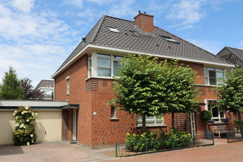 Bekijk foto 1 van Willem van Leusdenlaan 56
